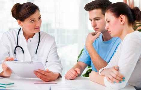 Какие первые признаки и симптомы внематочной беременности