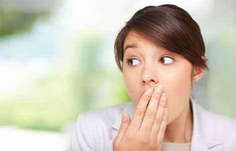 Неприятный запах изо рта, лечение
