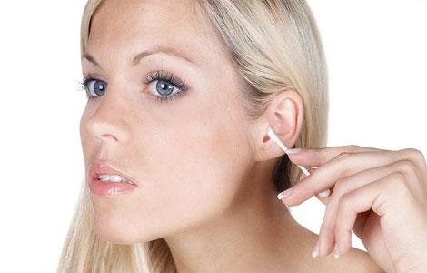 Удаление серных пробок из ушей