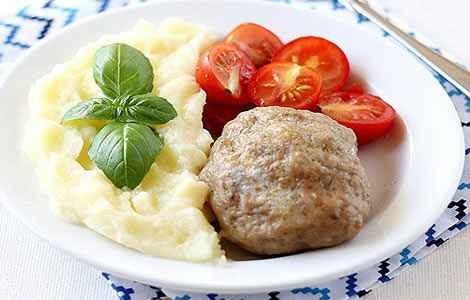 Рыбные фрикадельки с картофельным пюре